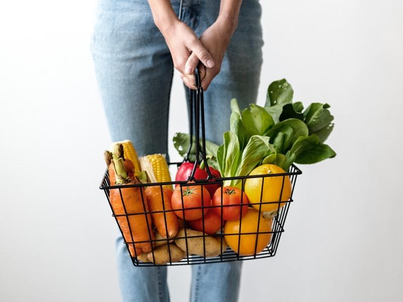 美肌作りの栄養素を摂って体の内側からも紫外線ケア