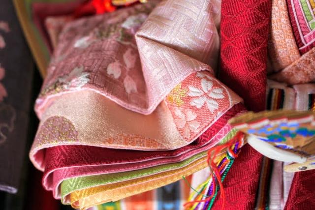 平安時代、女性は下着として「袴」を着用していました。