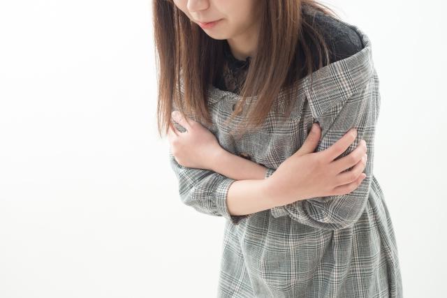 男性よりも筋肉の量が少ない女性の方が冷えを感じやすいと言われています。