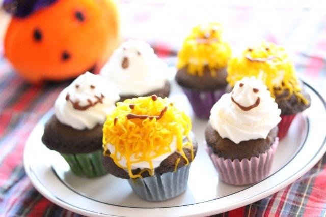 かぼちゃクリームをお子さんと一緒に盛り付けて、顔をつけてみても楽しいですよ。