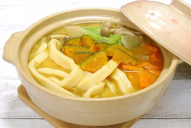 体を温める効果があるホクホクのカボチャが美味しい味噌風味のお鍋です。