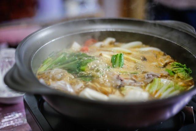寒い日のお鍋は、体も心もあったまるごちそうです。食材を工夫すれば、冷えを感じる方にも効果抜群のお鍋になりますよ♪