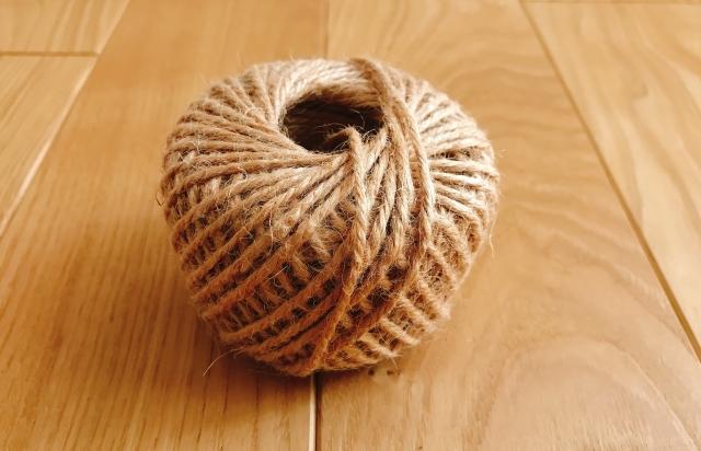 麻ひもなどの材料になるのは、ヘンプやケナフといった種類のものです。