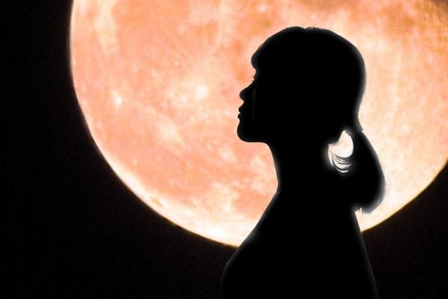 月のリズムを意識しながら体を効率的にケアする「月美容」で、体本来のリズムを取り戻しましょう。