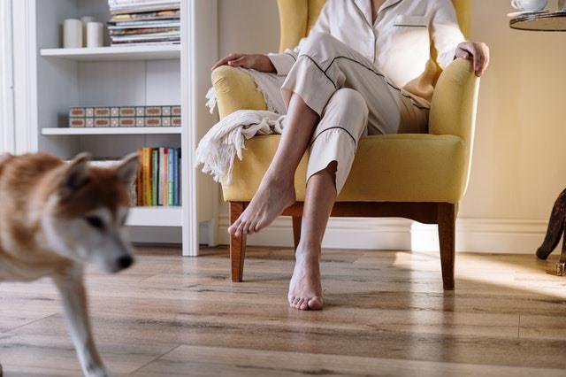 スウェットよりもパジャマの方が安眠できる理由は、やはり体にストレスをかけないことでしょう。