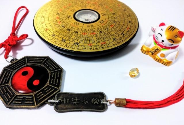 風水の場合における色は、中国古来の五行思想・九星などにおける「気のバランス」と密接に関わっています。