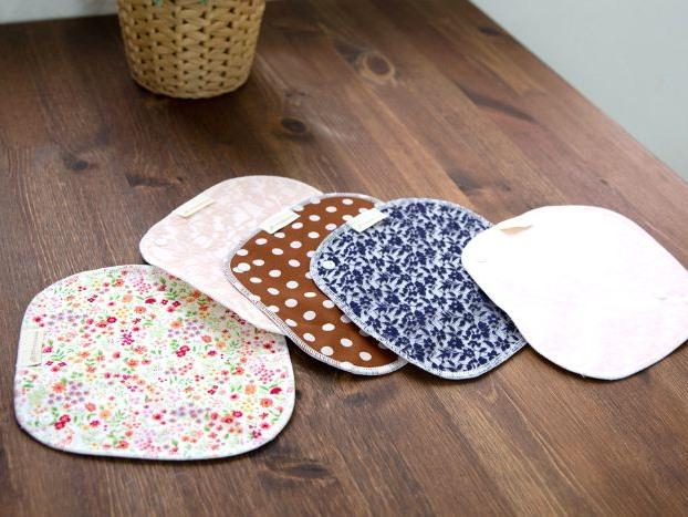 生理中にできる対策としては、布ナプキンを使ってみるという方法もあります。